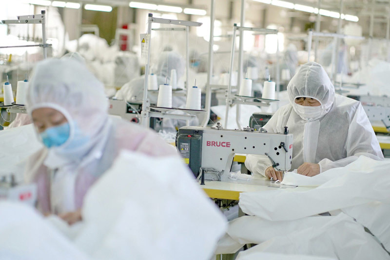 Medical Protective Clothing Production Line put into Production more than 10,000 Sets per Day